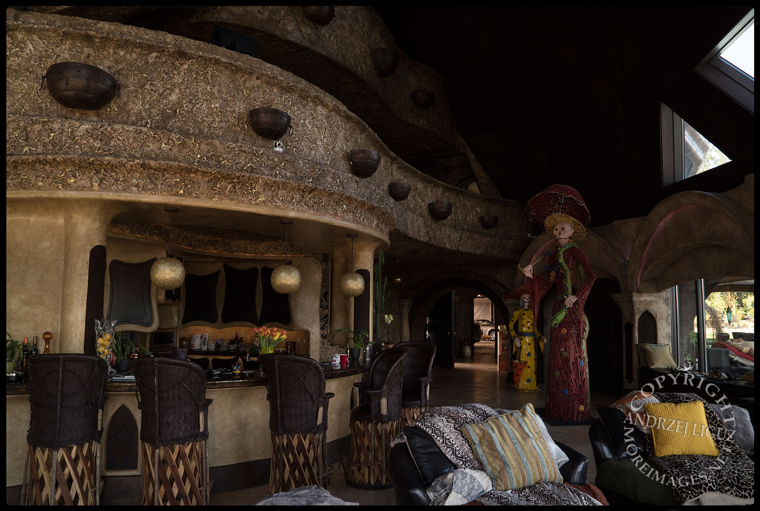 Living room and kitchen, The House On The Hill, CA 2015-03-15